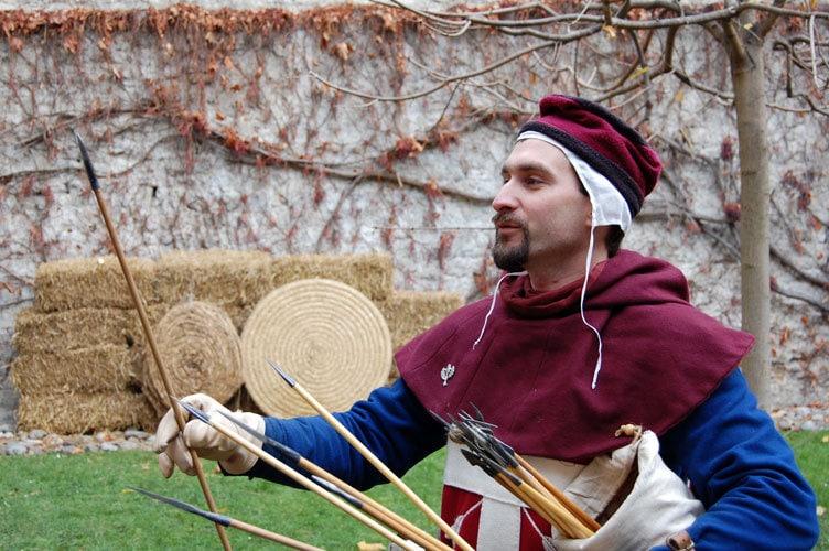 Compagnie des Quatre Lunes - Archerie, arc