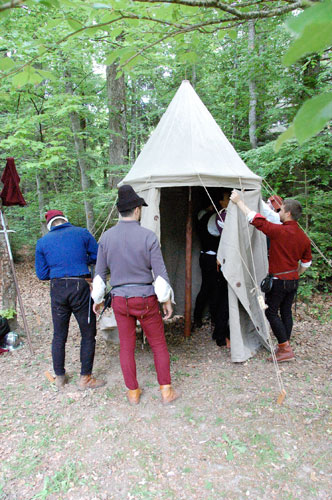 Compagnie des Quatre Lunes – Quotidien, vie de camp